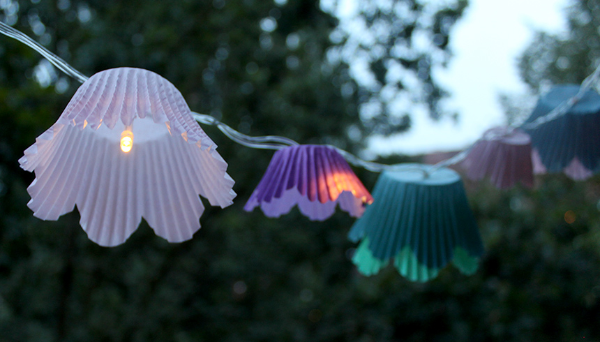 De lichtslinger met Toppits® Flower Muffins zorgt voor een fantastische sfeer
